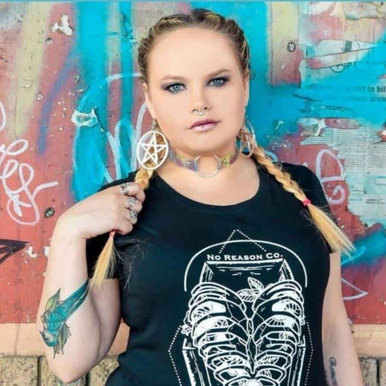 Courteney is the owner of Studio Snark - website